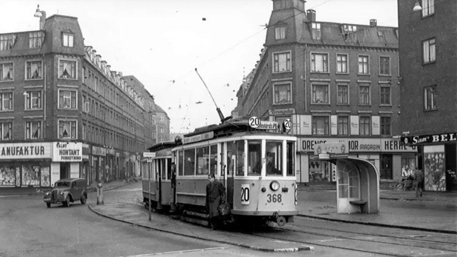 sporvognsbilletten Sporvogn 20 Toftegårds Allé ved Rughavevej, Gl Jernbanevej - 1957 - Torben Liebst - Valby Lokalarkiv