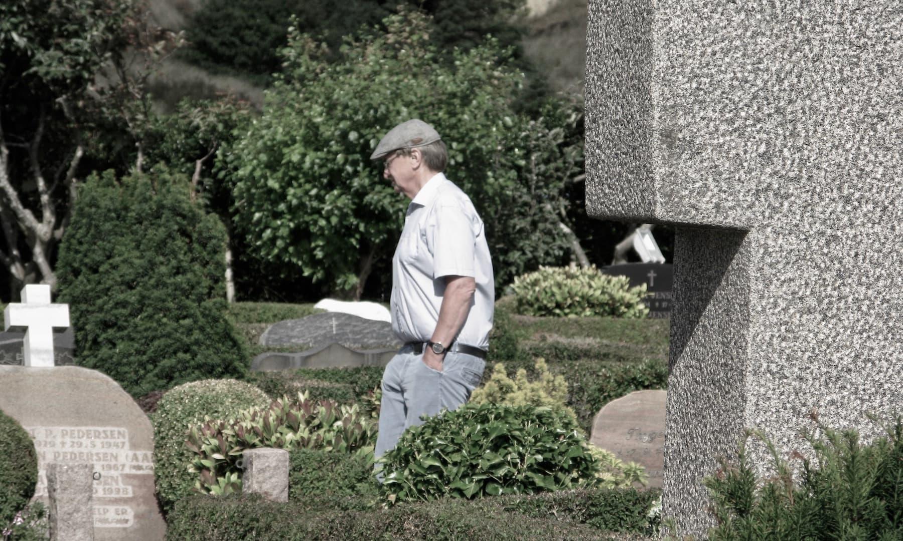 Nørre Lyngvig Kirkegård og Mindekorset