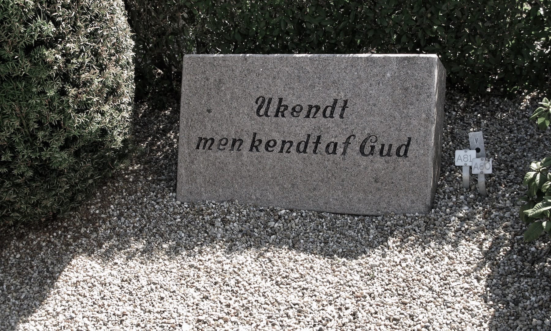 Nørre Lyngvig Kirke og kirkegård – et guds ord til trøst