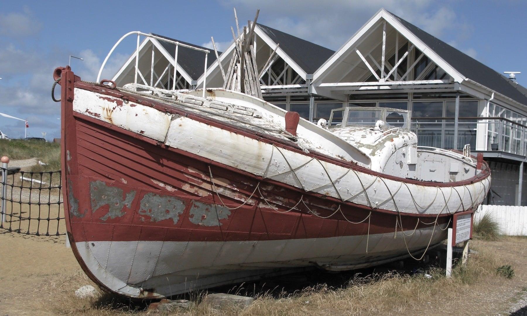 Forliset 9. december 1951. Motorredningsbåd MRB 21 ligger i dag på bedding ved Redningsmuseet i Hvide Sande